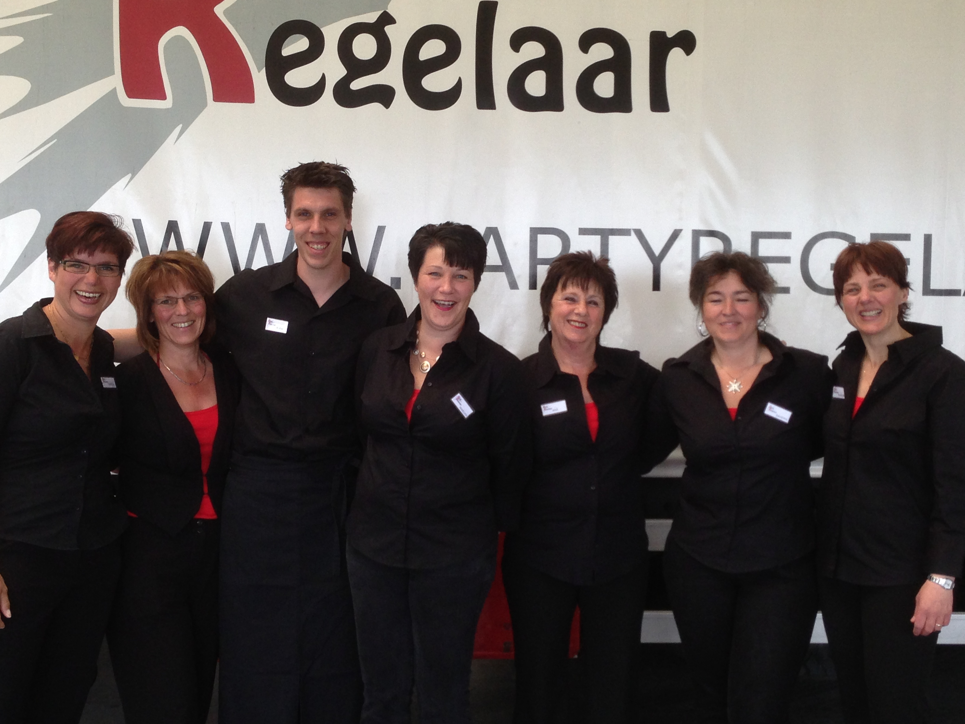 over ons Party Regelaar Team